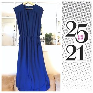 Dresses & Skirts - Blue midi dress